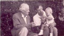 auguste piccard (1884-1962), son fils jacques (1922-2008) et son petit-fils bertrand (1958) vers 1960