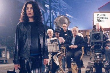 photo de plateau du film Ararat d'Atom Egoyan, avec Arsinée Khanjian et Charles Aznavour