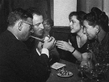 Jean-Paul Sartre, Boris Vian et sa première femme Michelle, Simone de Beauvoir