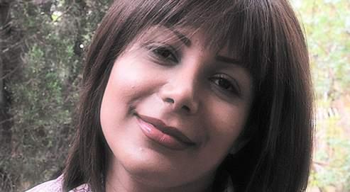 Neda Salehi Agha-Soltan, 26 ans, étudiante et pianiste, assassinée par balles samedi 20 juin 2009 à Teheran par la milice du dictateur Ahmadinejad (cliquer sur l'image pour voir la triste vidéo de son assassinat)-